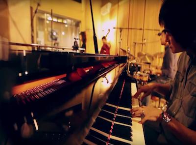 Sunny Trio & Natt Buntita - รัก (เพลงพระราชนิพนธ์)