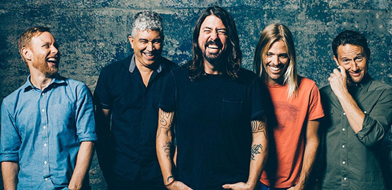 """คอนเสิร์ตของวงร็อคระดับตำนาน """"Foo Fighters"""""""