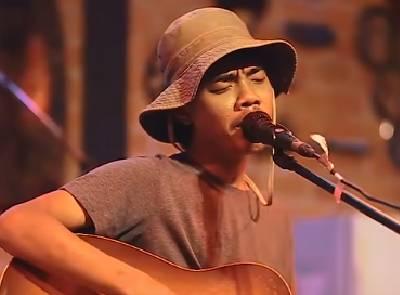 แก้มน้องนางนั้นแดงกว่าใคร - เขียนไข เเละ วานิช live in hombar chiang mai
