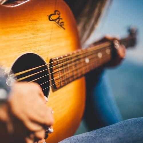 วงดนตรีเพื่อชีวิต ขับกล่อมทุกประเภทงาน