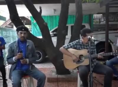 เพลง ของขวัญ Live..สด(แฮมเมอร์-เล่นหน้าบ้าน)